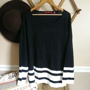 NWT Cyrus woman black & white sweater